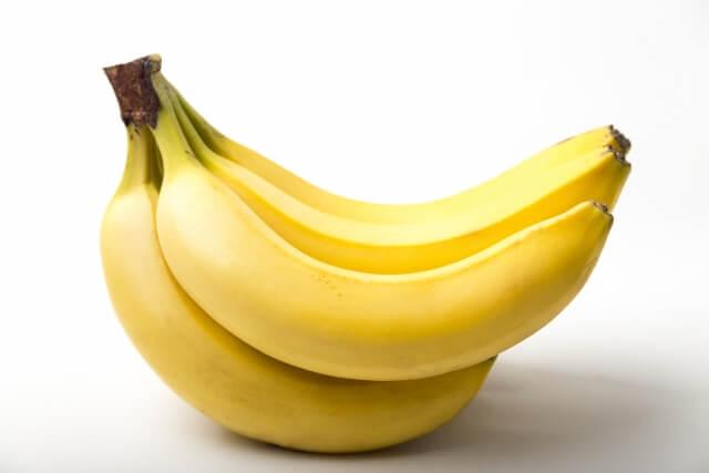 犬にバナナをあげていい?肥満とアレルギーリスクには要注意
